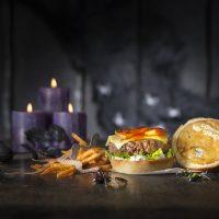Halloween Burger, la revolucionaria hamburguesa con papel comestible de Tommy Mel's